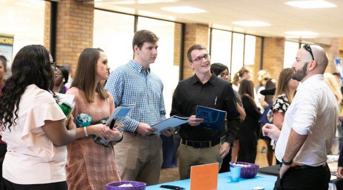 Health Care Recruiters Meet With Lander Nursing Students During Career Fair